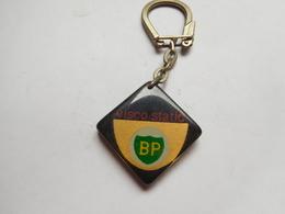 Beau Porte Clés ( No Pin's )  , Carburant Essence Oil Huile , BP Visco-static - Fuels