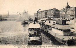 CPA ROUEN - QUAI DE LA BOURSE - ARRIVEE D'UN BATEAU ALLANT A LA BOUILLE - Rouen