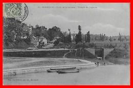 CPA (47) MARMANDE.  Bords De La Garonne, Terrasse Des Capucins....D801 - Marmande