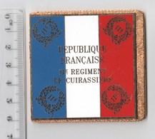 DRAPEAU 11° RC REGIMENT DE CUIRASSIERS   En Métal Doré - Drapeaux