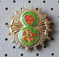 8. March International Women's Day Flowers Love Pin - Associations