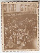 1895 - Clermont-Ferrand - Procession Devant Le Grand Magasin De Deuil - Photo Amateur Annotée Au Dos - FRANCO DE PORT - Orte