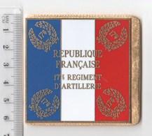 DRAPEAU 17° RA REGIMENT D' ARTILLERIE  En Métal Doré - Drapeaux