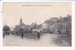 LE VERGER - LA GRANDE PLACE ET L'EGLISE - 35 - Autres Communes