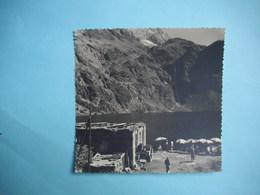 PHOTOGRAPHIE GRAND FORMAT - Environs De LUCHON   - 31  - Le Lac D'Oo   -  1964 -  12,5  X 13  Cms  -  Haute Garonne - Places