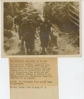 PHOTOS ORIGINALES - 1938 - GUERRE D'ESPAGNE - Transport D'un Blessé Dans La Montagne - Cliché FRANCE PRESS - Guerre, Militaire