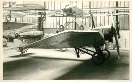 PHOTO SOUPLE NON LOCALISEE AVION DANS UN HANGAR 97996 - Aviation