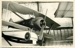PHOTO SOUPLE NON LOCALISEE AVION DANS UN HANGAR 97998 - Aviation