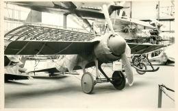 PHOTO SOUPLE NON LOCALISEE AVION DANS UN HANGAR 97999 - Aviation