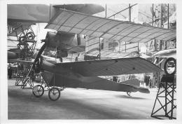 PHOTO SOUPLE NON LOCALISEE AVION DANS UN HANGAR 98003 - Aviation