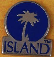 DD  247......ECUSSON...........ISLAND - Pin's