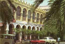 Bar Du Palmier En Zinc DJIBOUTI  Voitures Land Rover 404 Et Decapotable RV - Djibouti