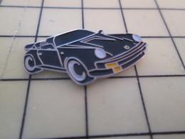 1517 Pin's Pins / Rare Et Beau THEME AUTOMOBILE / PORSCHE NOIRE DECAPOTABLE - Porsche