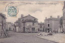 79. MAZIERES EN GATINE. CPA. ANIMATION SUR LA PLACE. ANNÉE 1906 - Mazieres En Gatine