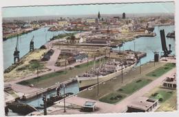 """Nord : DUNKERQUE:  L  écluse  Trystram 1963, Bataeu  Paquebot  """" Bengazi """" - Dunkerque"""