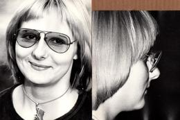 Grande Photo Originale Photographe Amateur Otto Stenberg - Portrait De La Femme Années 1980 - Lunettes Ray Ban - Pin-ups