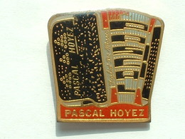 PIN'S ACCORDEON  - PASCAL HOYEZ - Music