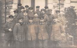 CARTE PHOTO ALLEMANDE  SPA 11  Novembre 1918  SOLDATS Du SERVICE Des TRANSMISSIONS - Spa