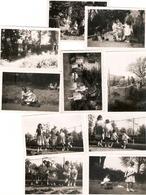 Lot De 10 Photographies De Famille, Chez Les Du Foresto à Lourches (Nord), Photos De 1955 - Places