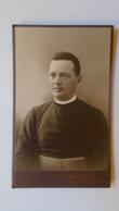 D159107 Old Photo    Priest  ROZSNYÓ Slovakia Roznava - Atelier Vogel Daniel  Ca 1910 - Anonymous Persons