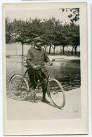Superbe Velo Bike Klaxon Elegance Homme Man Moustache Bearded 1900 S Rppc Belle Carte Photo Canotier Lac Mer Non Circulé - Cycling