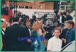 Artiste - Eva Herzigová Au Festival Du Film De Cannes En 1998 (cinéma) - Famous People