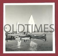 PORTUGAL - AVEIRO - MOLICEIRO JUNTO AO CAIS - 1950 REAL PHOTO - Photographs