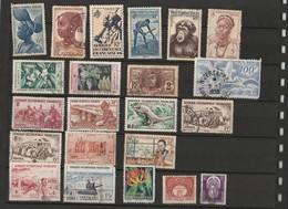 Lot De 22 Timbres Afrique Occidentale Française - AOF - A.O.F. (1934-1959)