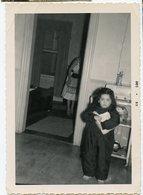 Jeune Fille Enfant Girl Kid Femme Composition 50s - Anonymous Persons