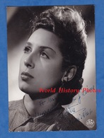 Photo Ancienne - Portrait & Autographe De COLETTE - Mai 1946 - Célébrité à Identifier - Actrice ? Chanteuse ? Cinéma ? - Famous People