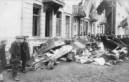 CARTE PHOTO ALLEMANDE SPA  1918  DEPART DES  ALLEMANDS ??  MAISON  NETTOYAGE Par Le VIDE - Spa