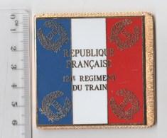 DRAPEAU 121° RT REGIMENT DU TRAIN En Métal Doré - Bandiere