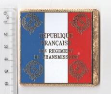 DRAPEAU 58° REGIMENT DE TRANSMISSIONS En Métal Doré - Bandiere