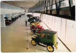 Il Grande Salone  -  Museo Dell'Automobile Carlo Biscaretti Di Ruffia - Torino - Turismo