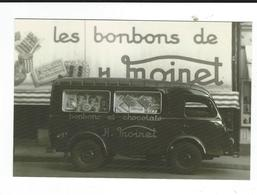 CPM   Vichy 03 Le Renault De Livraison De La Confiserie Moinet Années 1950 édité Par La Confiserie Neuve TBE - Trucks, Vans &  Lorries