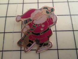 Sp17 Pin's Pins / Rare Et Beau THEME NOEL / PERE NOEL PATIN A GLACE SAC DE CADEAUX - Christmas