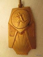 Medaille De Sport  Vers 1930  4 Cm Sur 2 Cm    Tb état - Francia