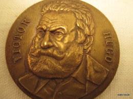 Medaille Victor Hugo   Diametre 4 Cm     Tb état - Frankreich