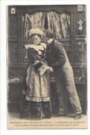 20002 - Bretagne Le Coucher De La Mariée L'époux Réclame Une Petite Embrasse - Costumes