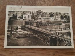 Brest - Carte Non Légendé - Hommes Traînant Des Sortes De Chariots Sur Le Pont - DA - Brest