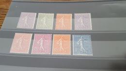 LOT 403193 TIMBRE DE FRANCE NEUF* N°197 A 205 SAUF 203 VALEUR 101 EUROS - France
