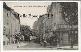 13 - AUBAGNE - Rue De La République ++++ B. P. ++++ Le Petit Marseillais / Cartes Postales - Aubagne