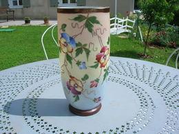 Vase Trois Couleurs Avec Fleurs Capucine Emaille Differente Couleur ; - Other Collections