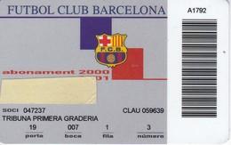 CARNET DE SOCIO DE FUTBOL CLUB BARCELONA AÑO 200/01 TRIBUNA (FOOTBALL) BARÇA (LA CAIXA) - Tarjetas Telefónicas