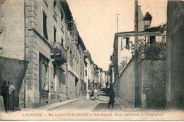 38. La Côte Saint André. Rue Bayard, Hôtel Des Postes Et Télégraphes. Coins émoussés - La Côte-Saint-André