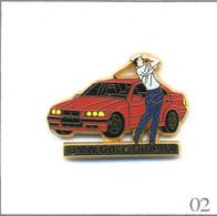 Pin's Sport - BMW / Golf Trophy - Version Voiture Rouge - Vitres Noires. Est. Arthus Bertrand. T607-02 - Golf