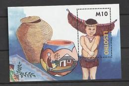 Lesotho 2006 Handicrafts S/s Mnh - Lesotho (1966-...)