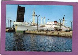 59 DUNKERQUE Cargo Entrant Dans La Darse Par L'écluse Trystram - Dunkerque