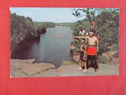 Top Of High Rock Wisonsin Dells Wis  Ref 2999 - Native Americans