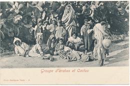 TUNISIE -  Groupe D'Arabes Et Cactus - Photo Garrigues - Tunisie